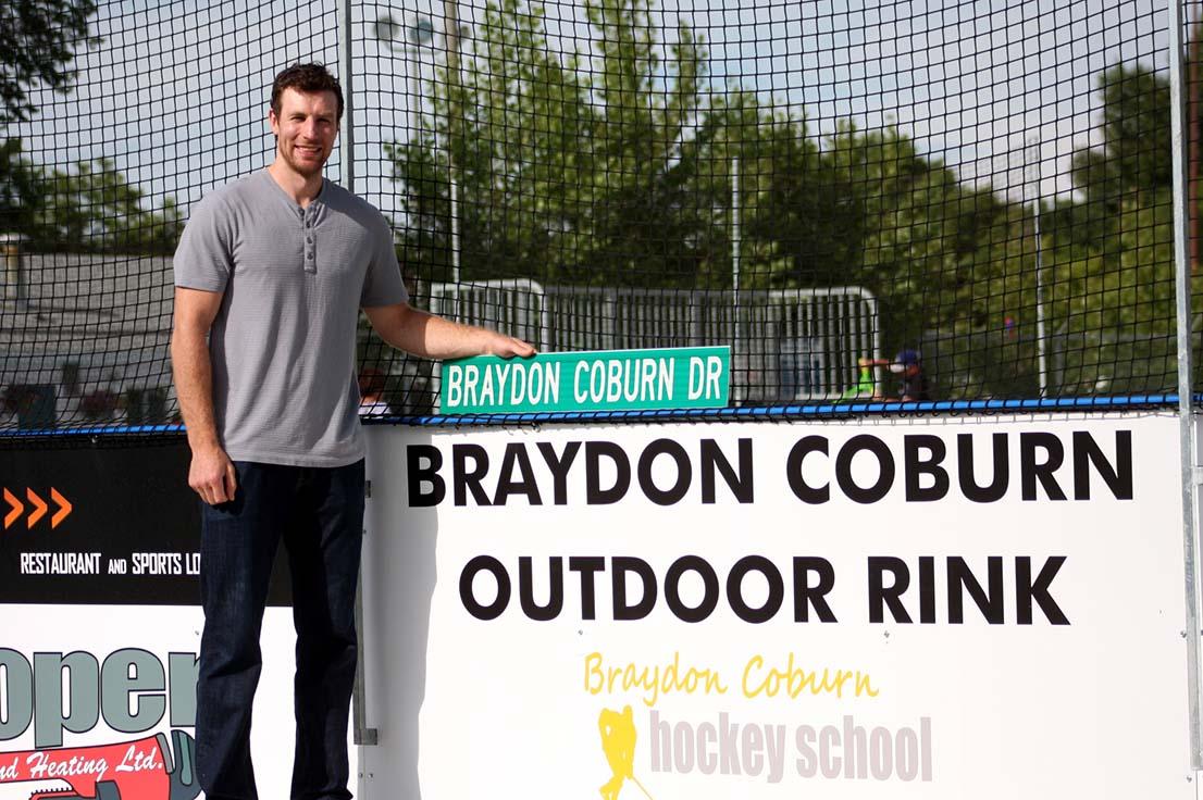 wbraydon - sign at rink